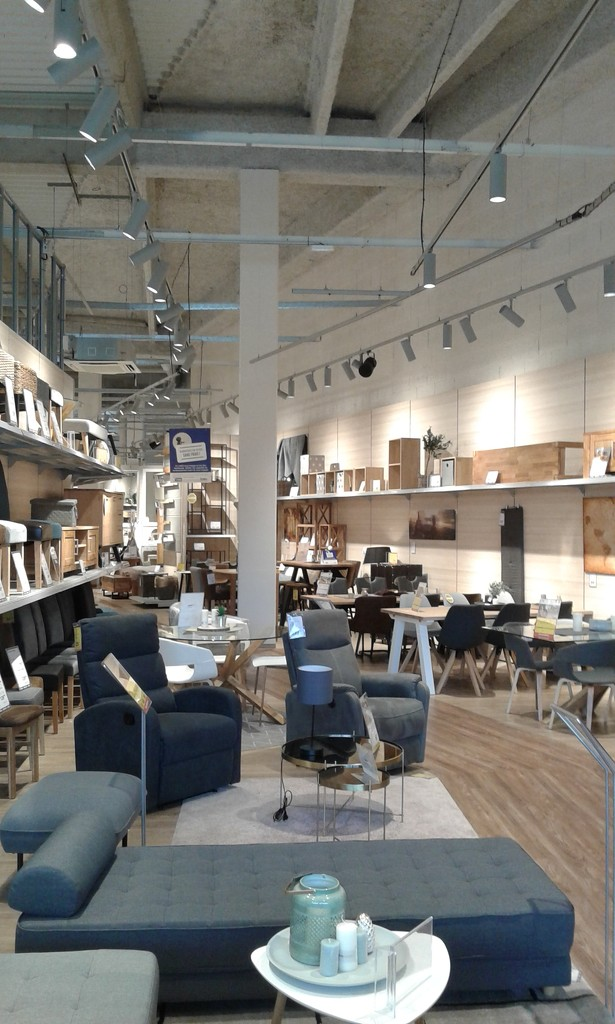 New furniture shop opens by pennystot