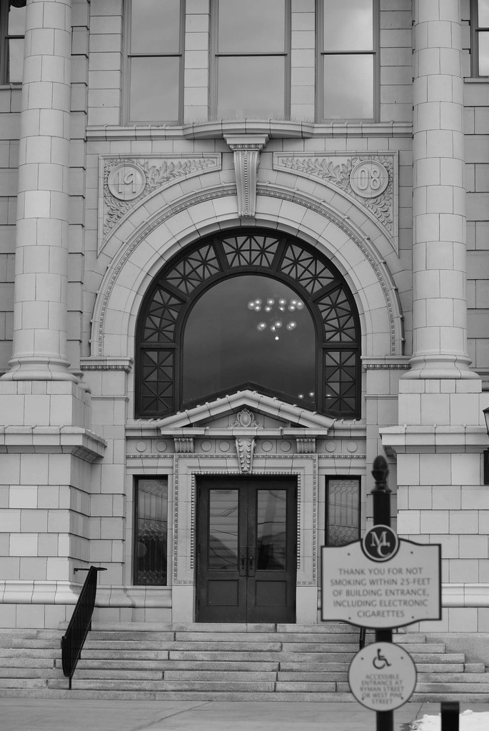 Entrance - Missoula Count Court House by bjywamer
