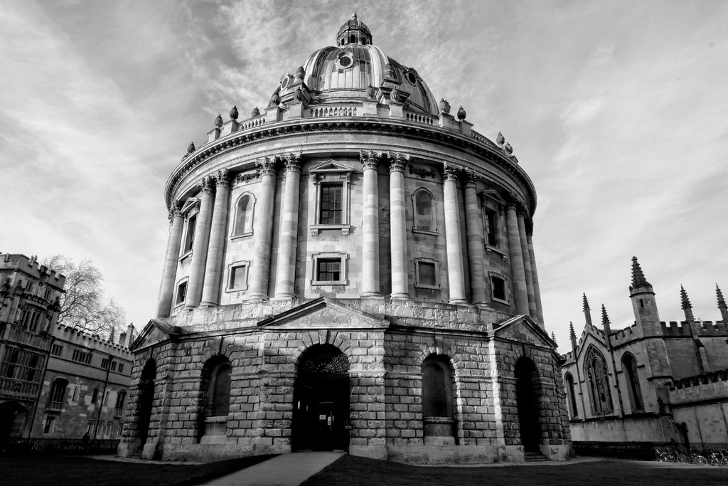 The Radcliffe Camera B&W by 4rky