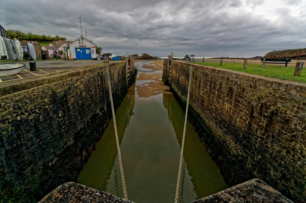 0213 - Lock Gate to the sea by bob65