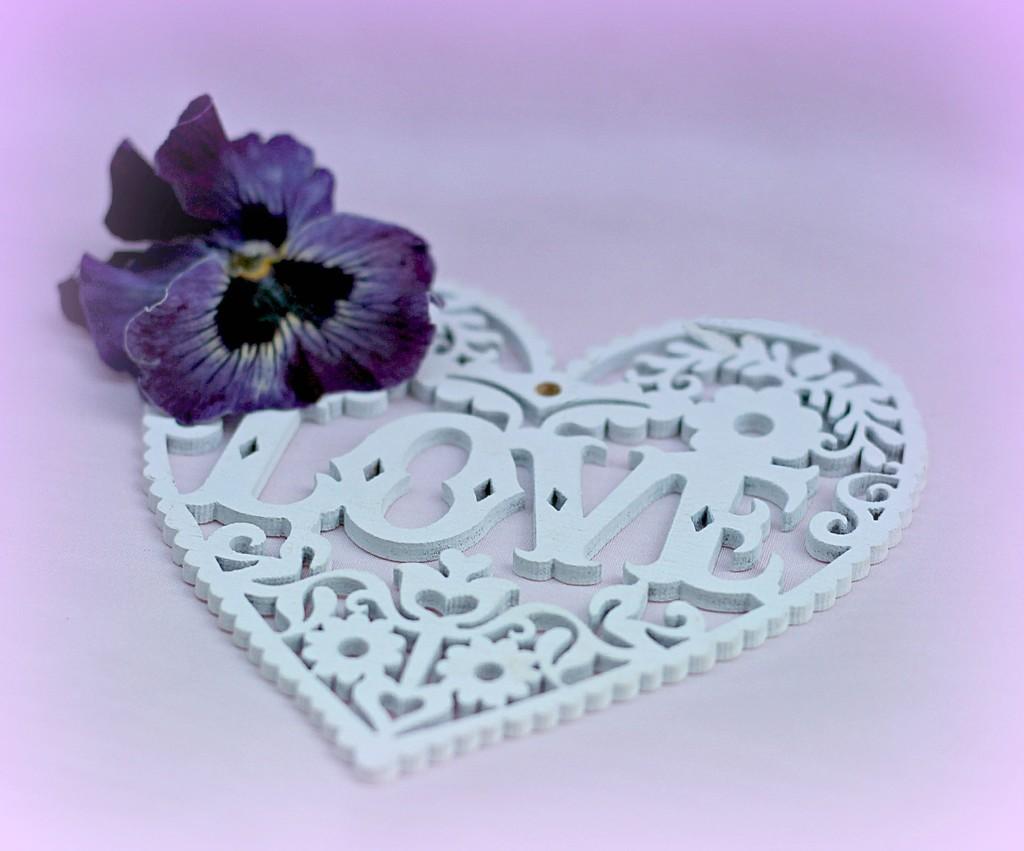 Love Heart  by wendyfrost