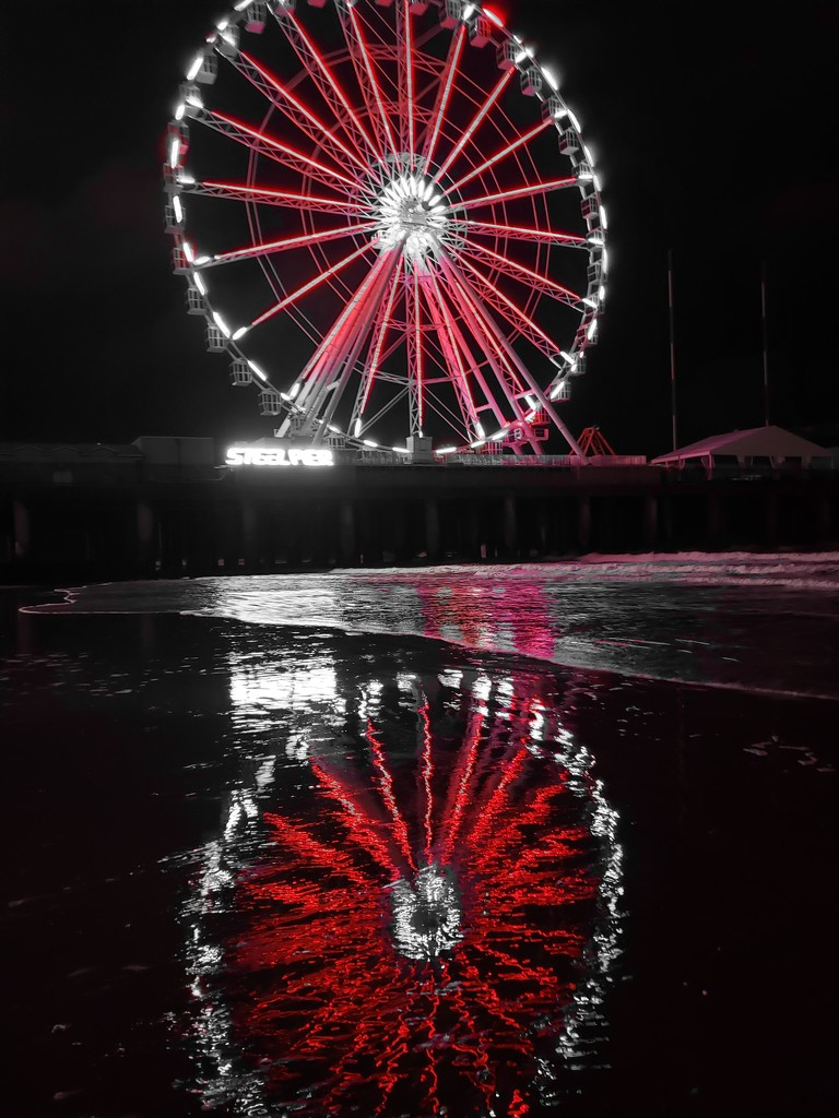 Red Flash Ferris Wheel by morrij10