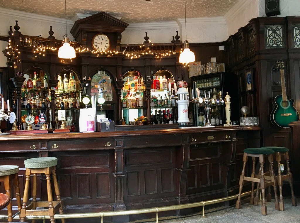 Traditional pub! by rosie00