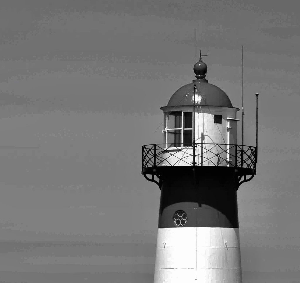 Lighthouse by jacqbb