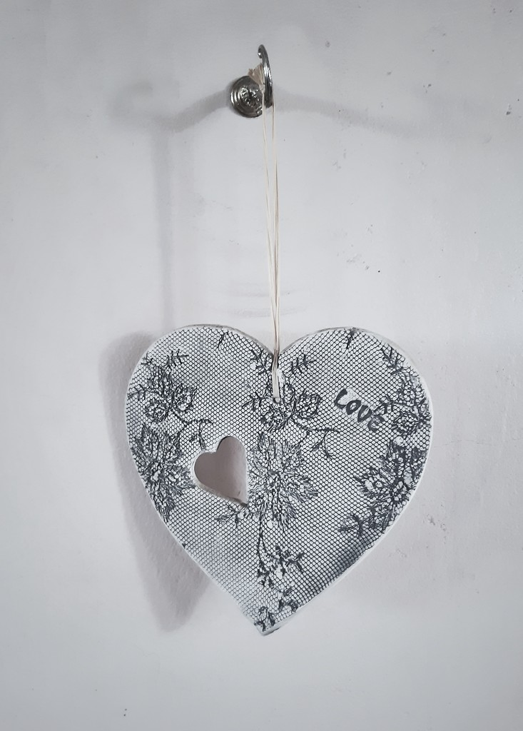 Hanging Heart  by salza