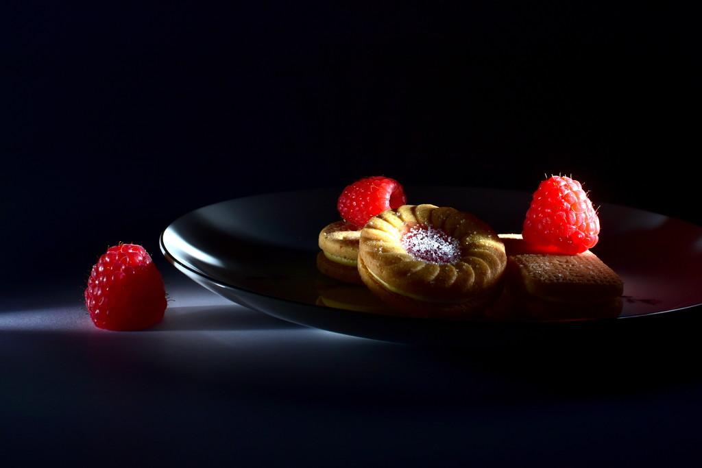 Midnight Snack by jayberg