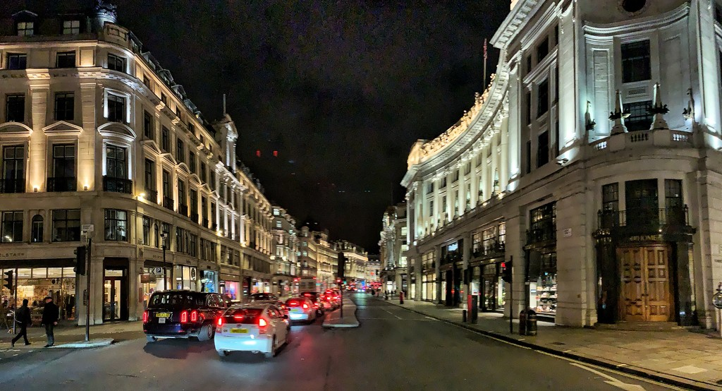 London by night.  by cocobella