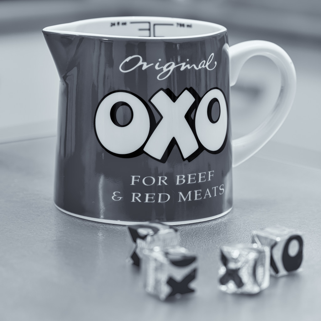 Oxo by pamknowler