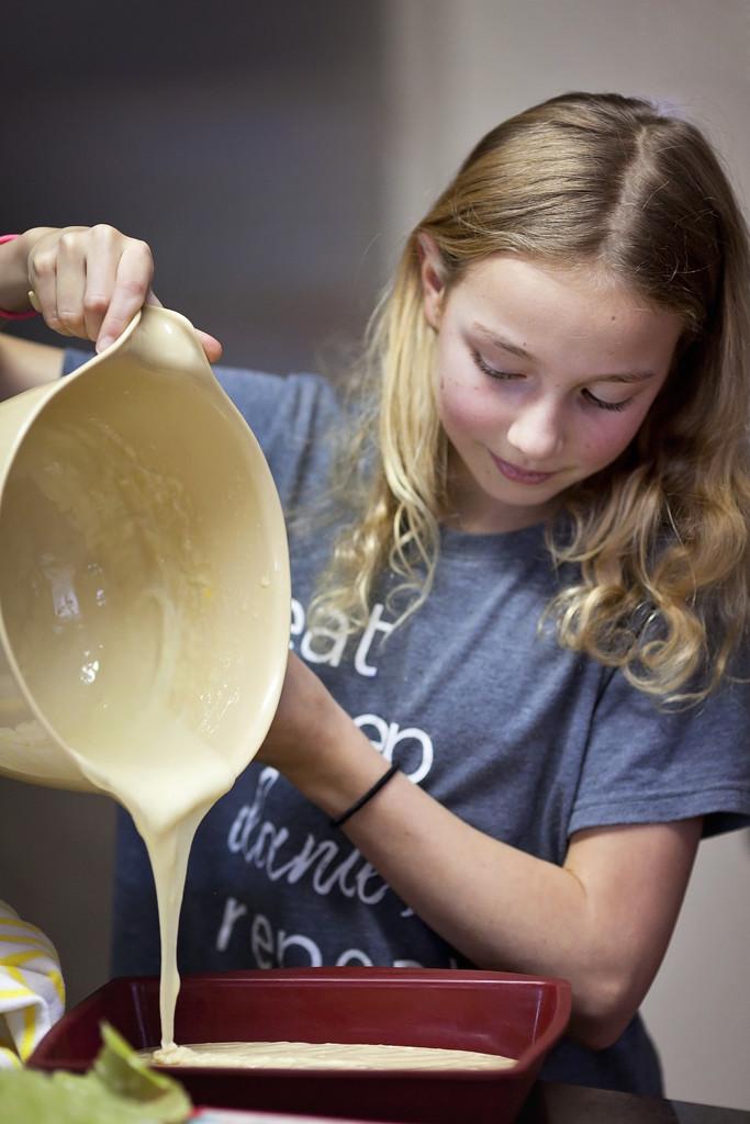 Making cake pops by kiwichick