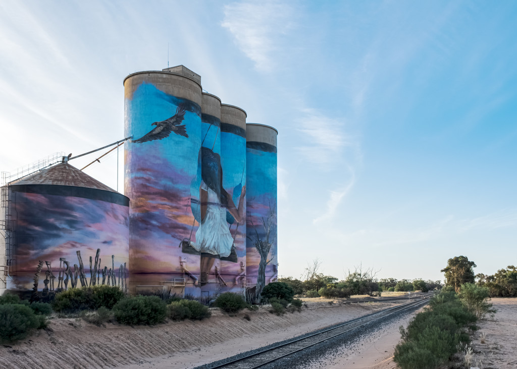 Sea Lake silos 3 by golftragic