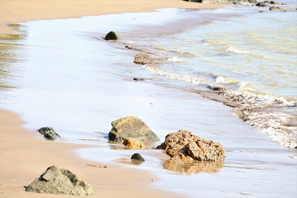 Gentle shore line by sandradavies
