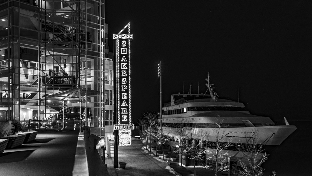 Shakespeare on Navy Pier by taffy