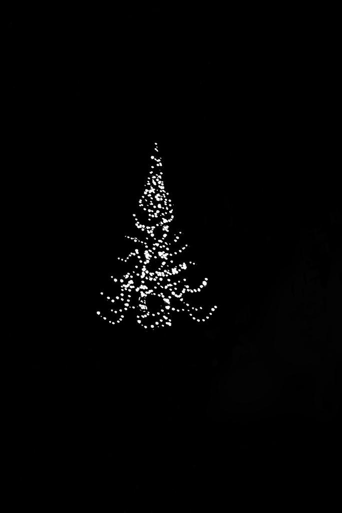 Burleigh Christmas tree by sugarmuser