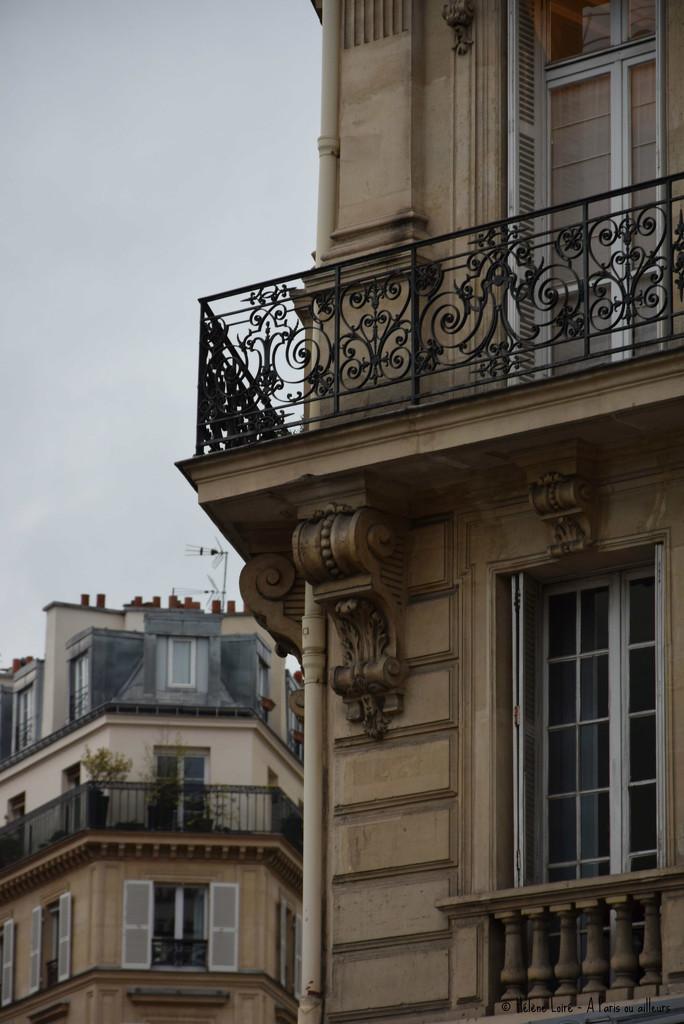Classic architecture  by parisouailleurs
