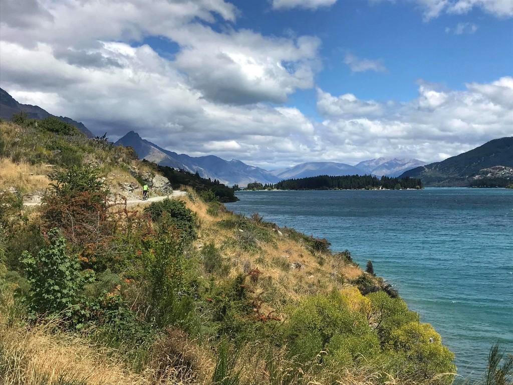 Lake Wakatipu by happypat