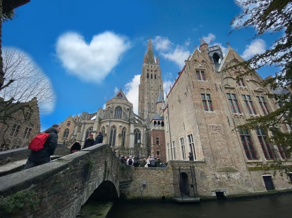 Love Bruges by bizziebeeme