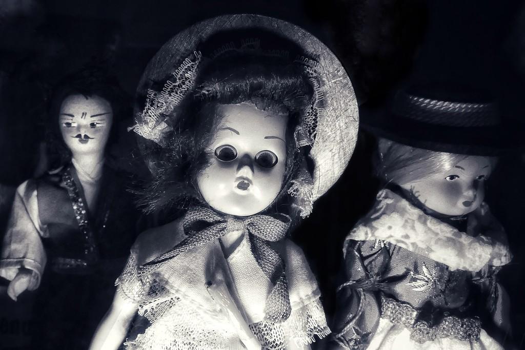 Spooky dolls by photopedlar