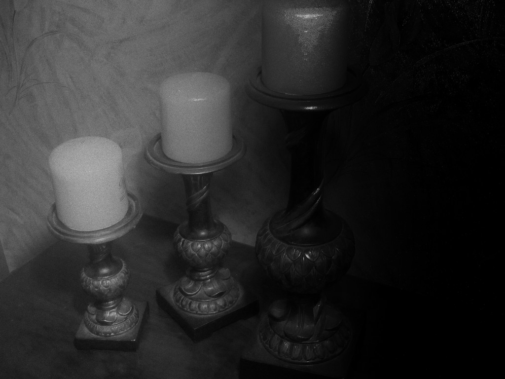 One two and three candles by bruni