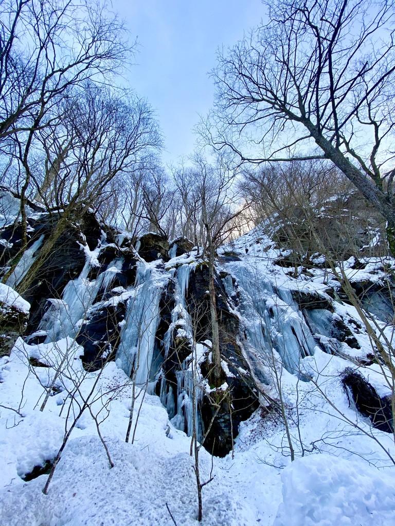 frozen waterfall by vankrey