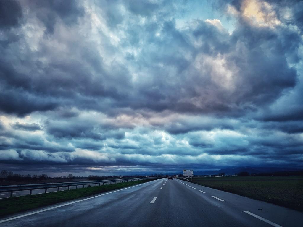Heavy sky.  by cocobella