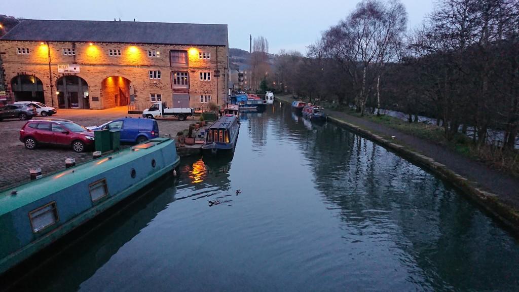 Sowerby canal wharf by peadar