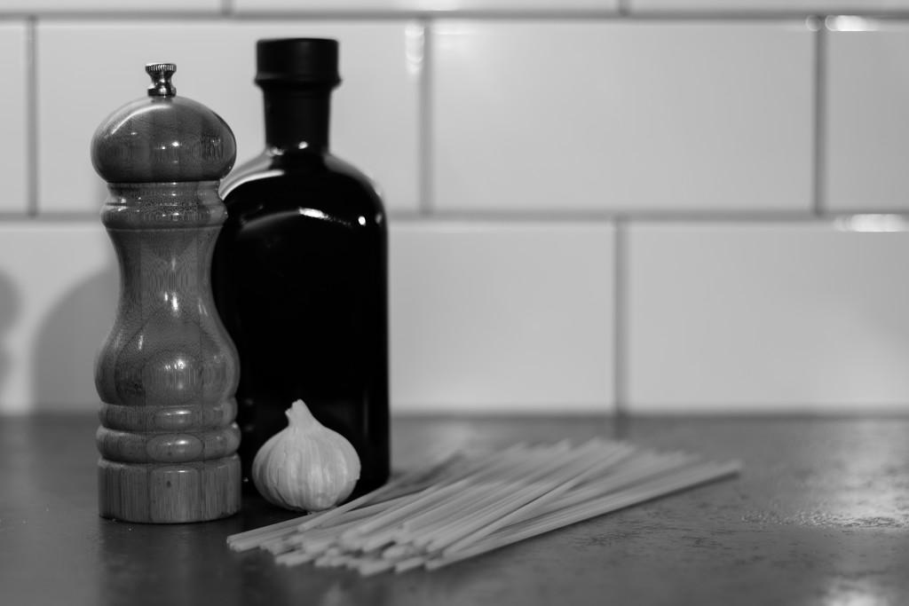 Oil and garlic by peadar