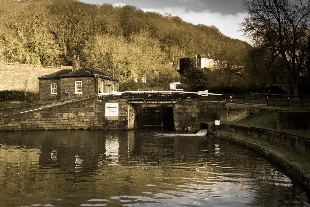 The lock-keeper's cottage by peadar