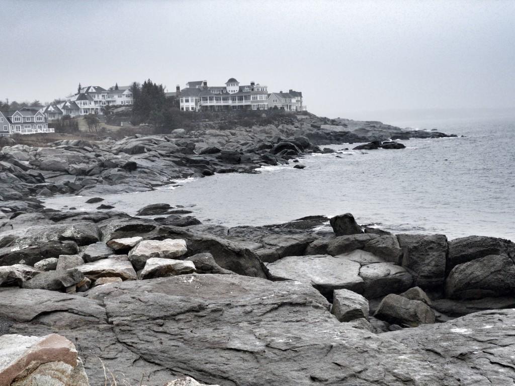 Rainy weather at the coast by joansmor