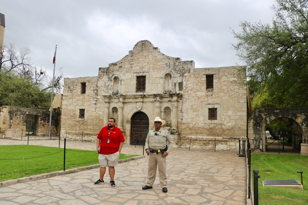 And the most famous of them all; the Alamo by momamo