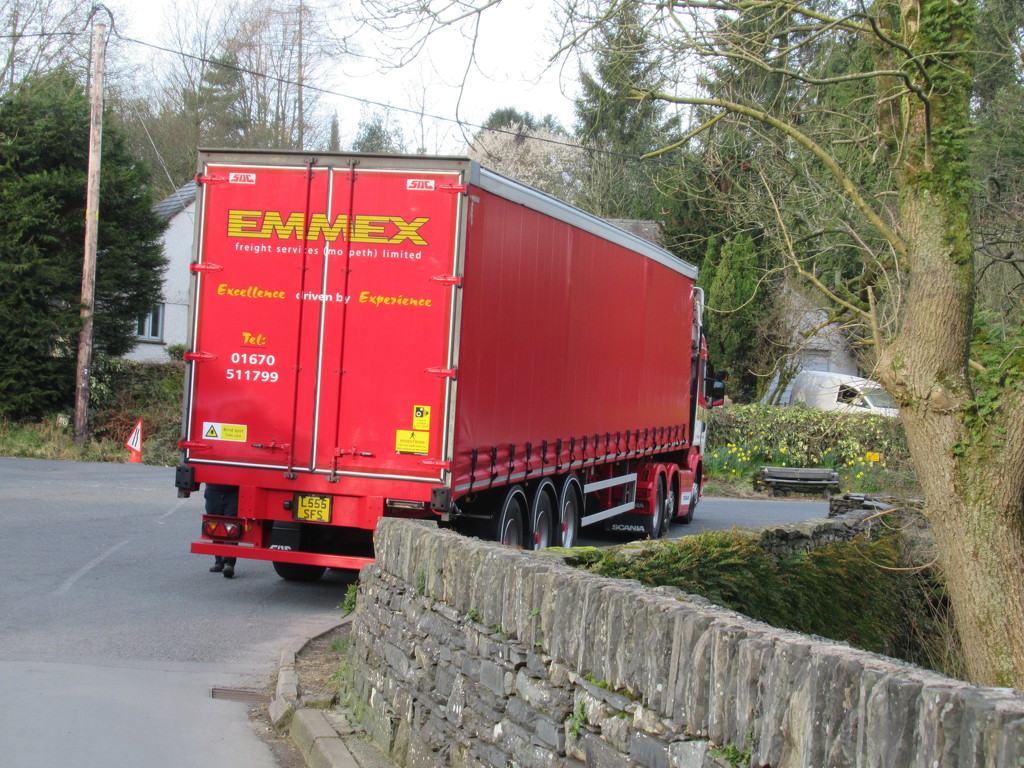 red lorry by anniesue