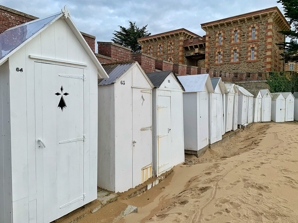 Lodges in Saint Briac.  by cocobella
