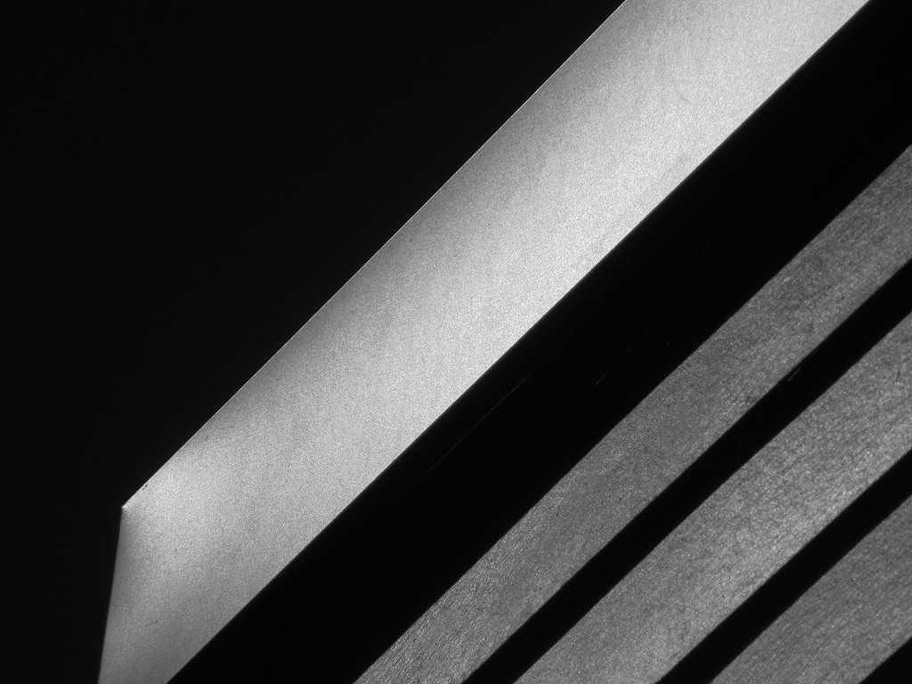 Linear in Black & White by granagringa