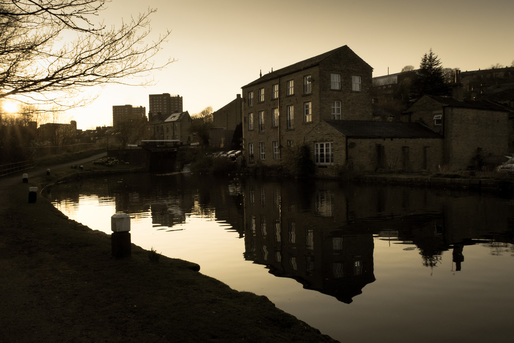 Canalside living by peadar