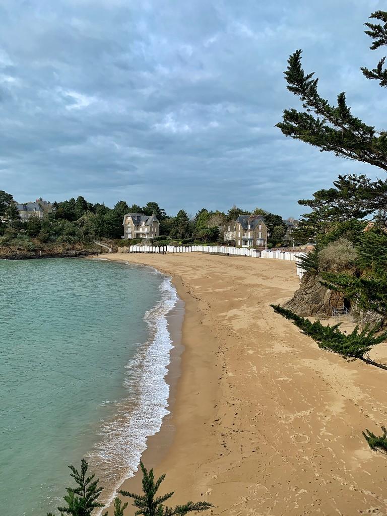 Empty beach.  by cocobella