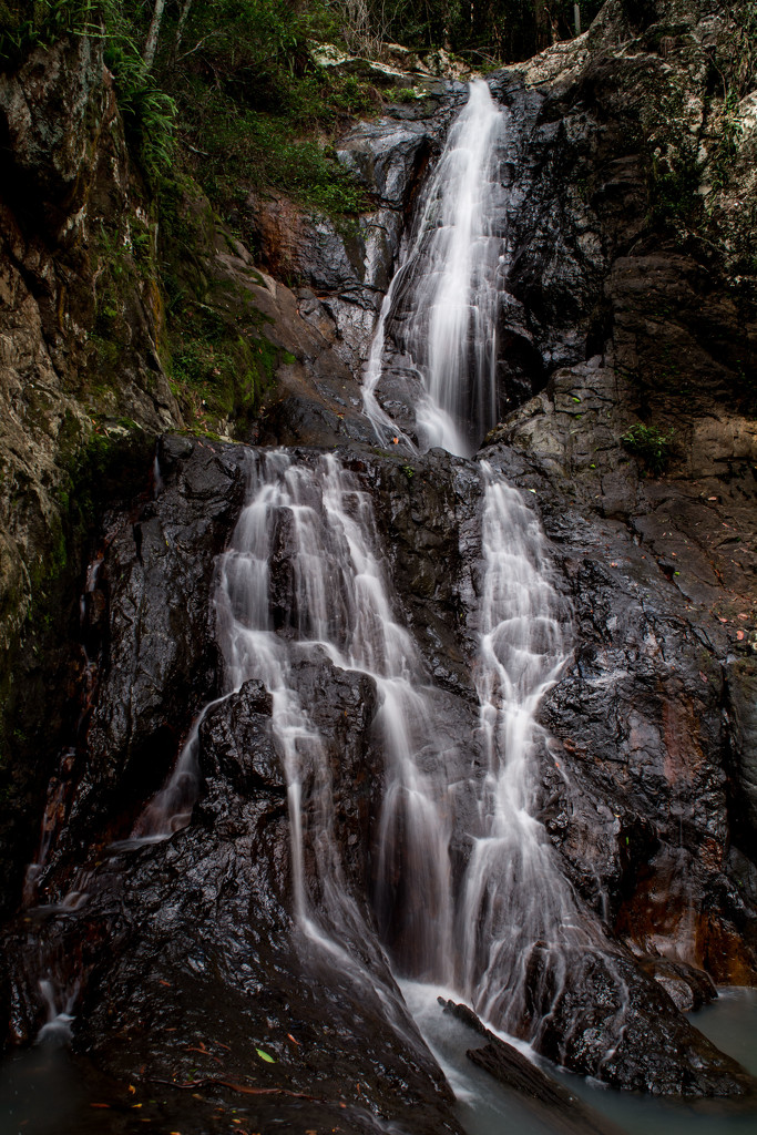 Waterfall at The Narrows lookout by spanner