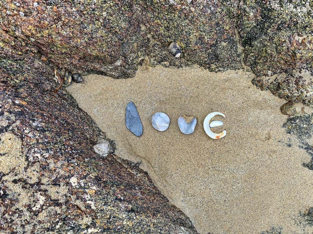Love on the beach.  by cocobella