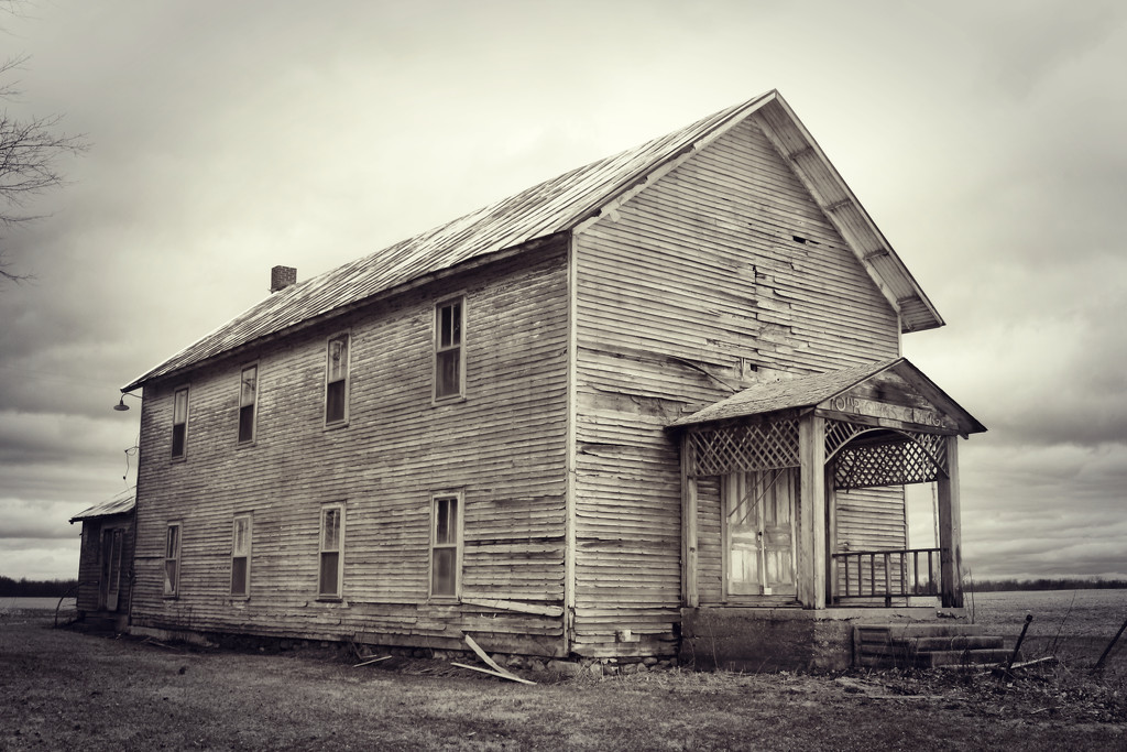 Four Towns Grange by juliedduncan