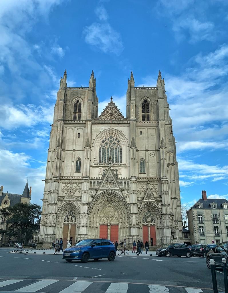 Saint Pierre et Saint Paul cathedral.  by cocobella