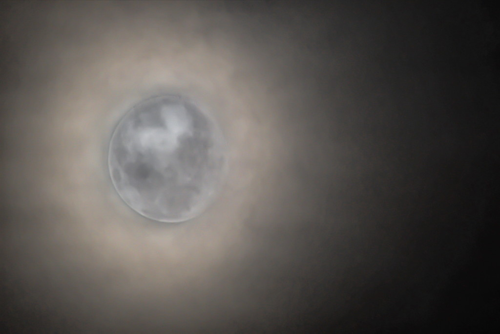 Moon amongst the clouds by kgolab