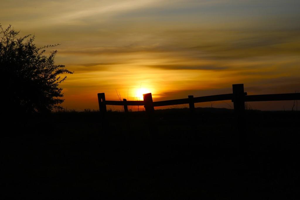 Lockdown Sunset by phil_sandford