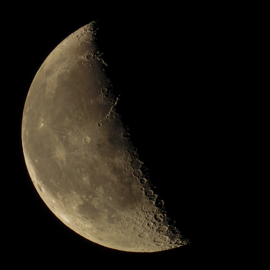40% Moon by mikegifford