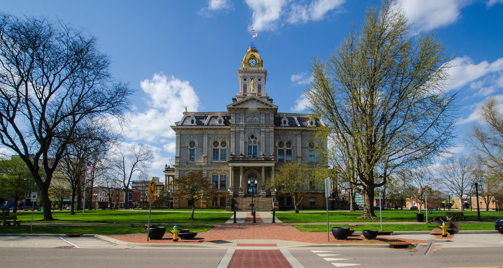 Licking County Courthouse - Newark, Oh. by ggshearron
