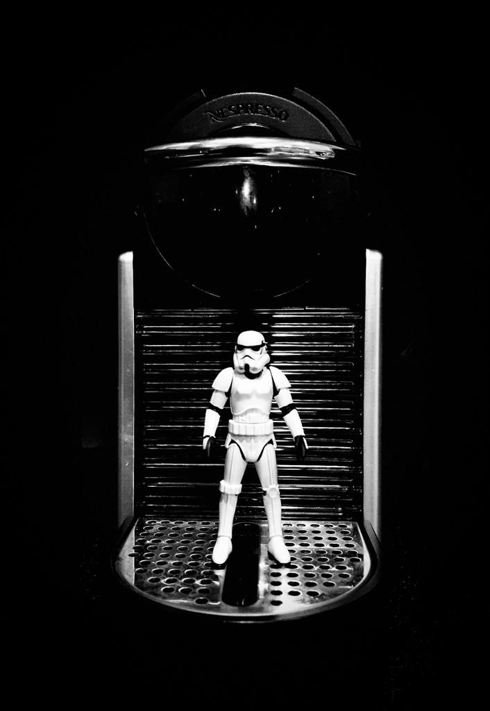Storm Trooper Arrives by jyokota