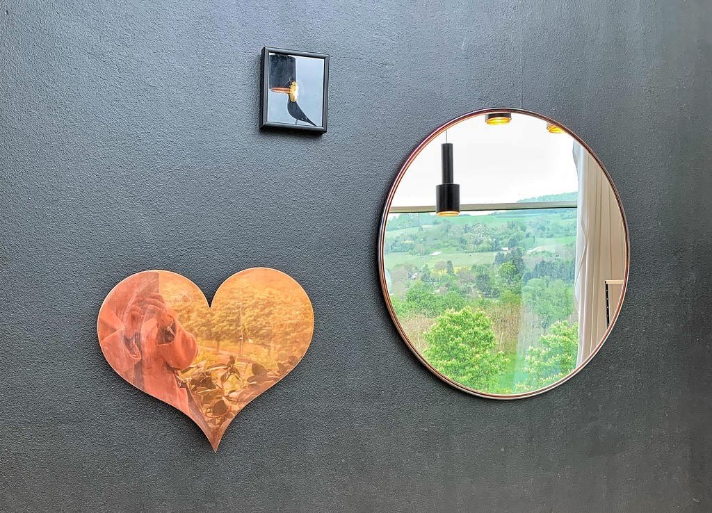 Heart mirror.  by cocobella