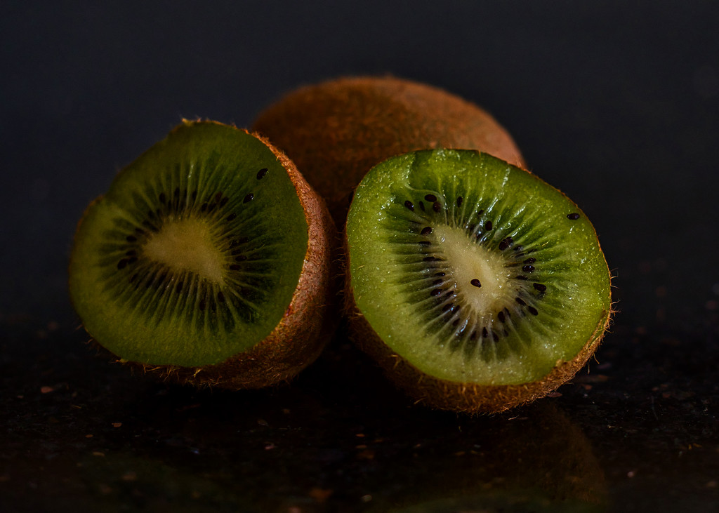 Kiwi Fruit by tonygig