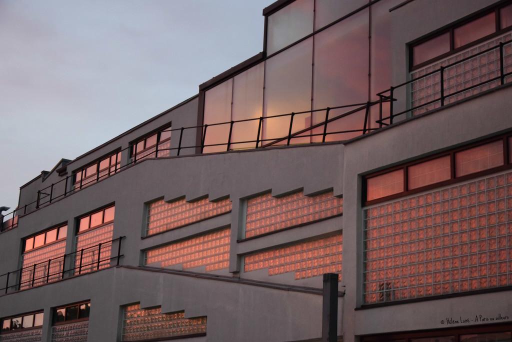 sunset's reflection by parisouailleurs