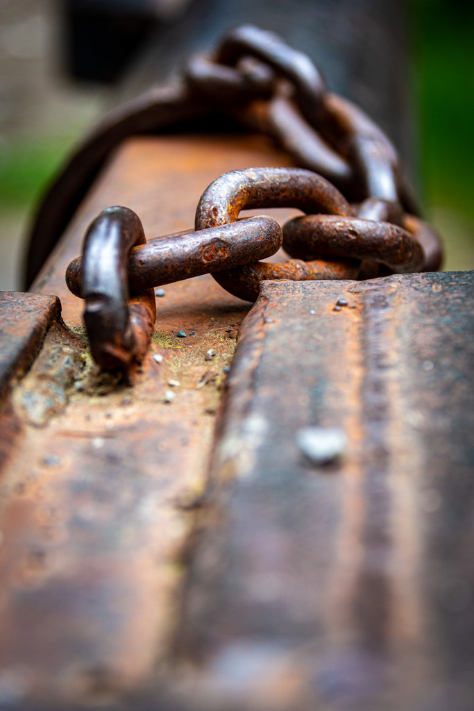 Rusty Chain by 365karly1