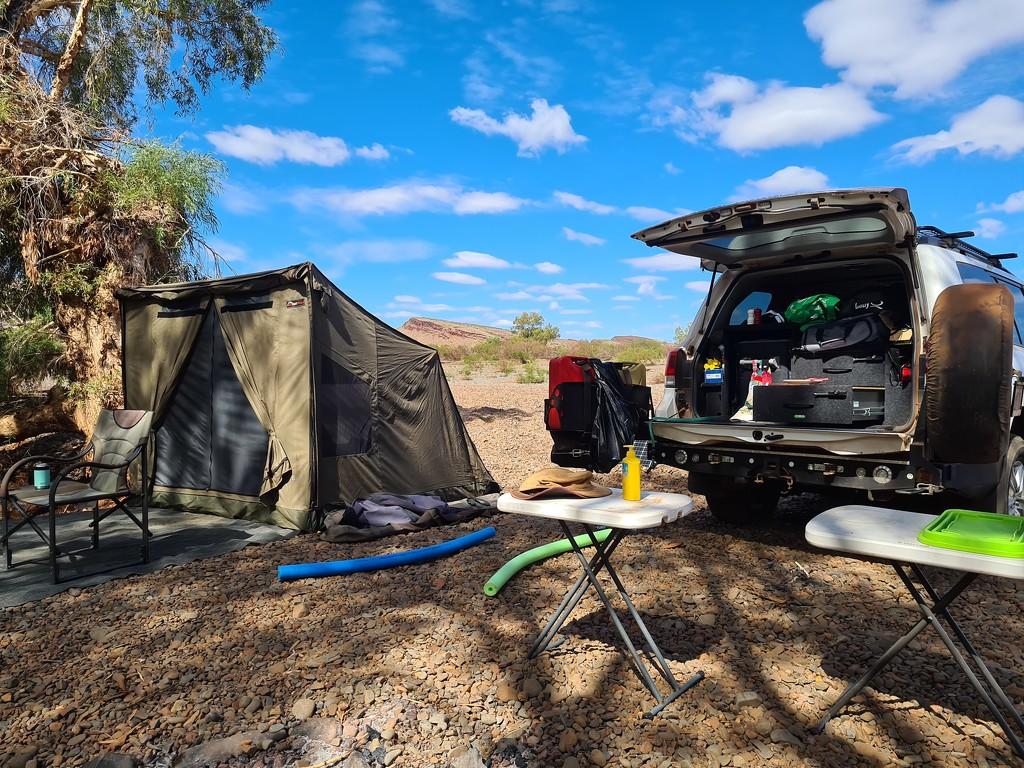 Camping by leestevo
