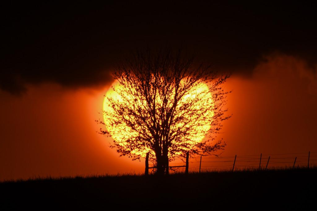 Kansas Sunset 5-16-20 by kareenking
