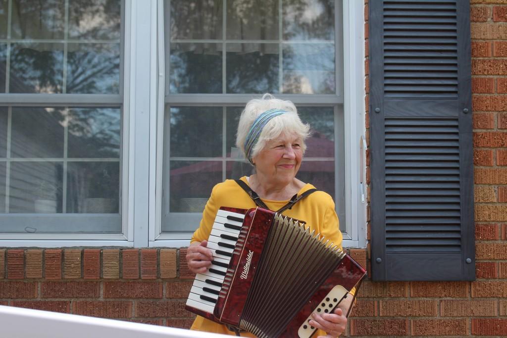 Ahh!  My musician friend.   by essiesue